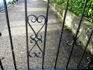 garden-gate-260805_640(1)